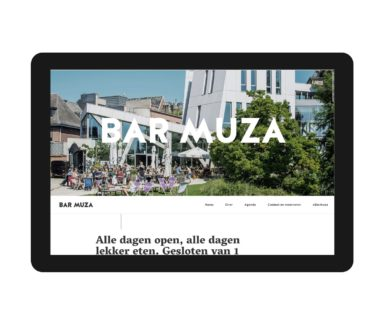 The home page of Bar Muza's responsive website, featuring logo and copywriting.